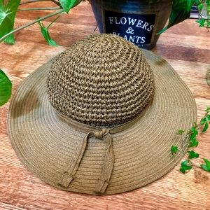 Accessories - Woven Crochet style Panama beach hat no branded